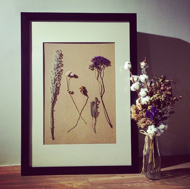 DIY artwork with dried flowers for a quirky scandinavian country style