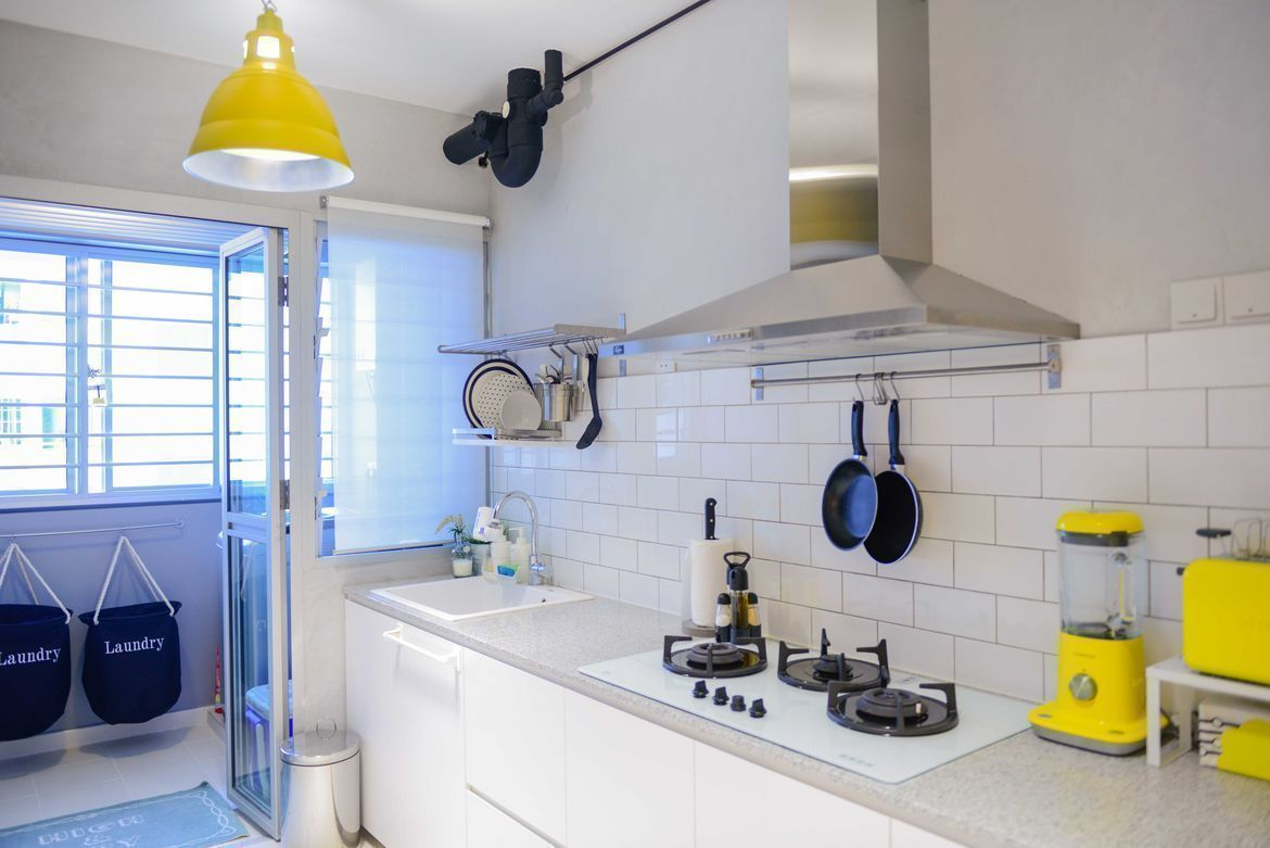7 design ideas for small kitchens for Small bathroom ideas hdb