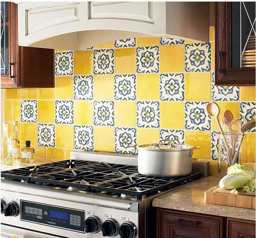 17 Colourful Kitchen Backsplash Ideas