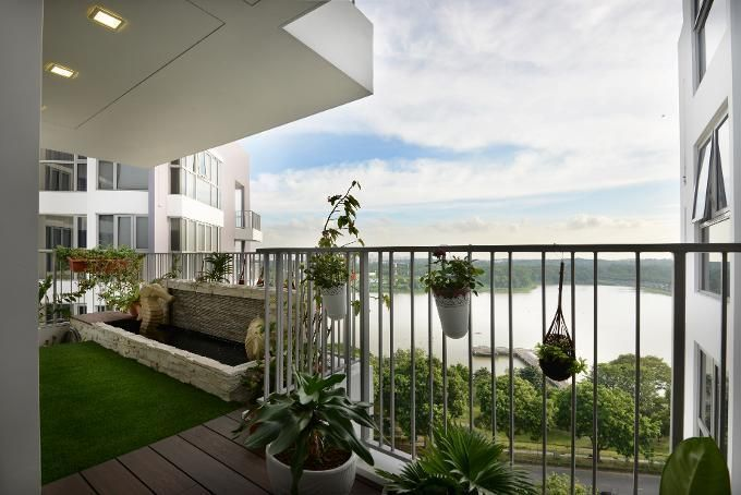 Outdoor spaces in singapore homes for Balcony ideas singapore