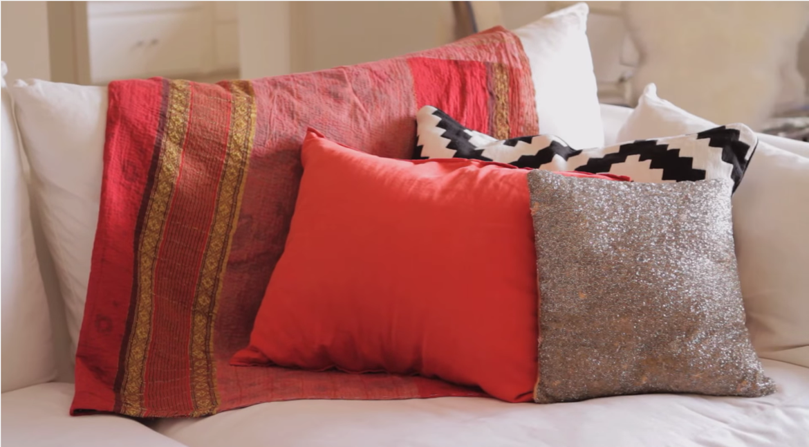 Video: How to Mix Modern Decor With Traditional