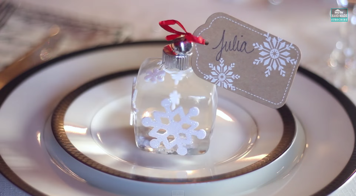 Video: DIY Snow Globe Place Cards - HGTV Handmade