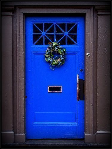 another cobalt blue door that is so eye catching and bright