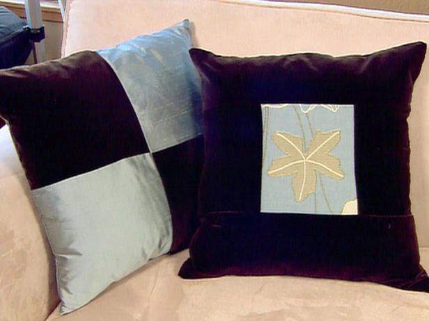 Video: How to Arrange Couch Pillows