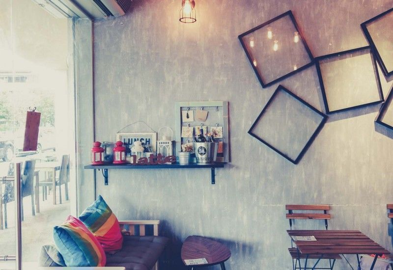 quirky frames decor at lola cafe