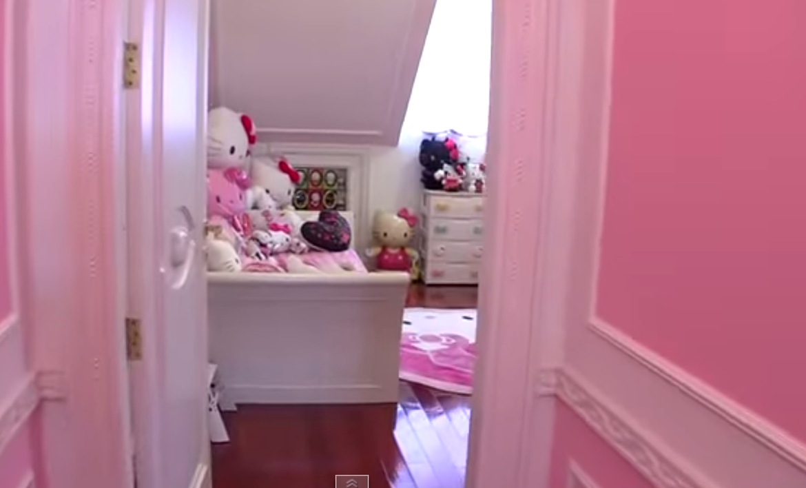 House Tour: Hello Kitty House in Singapore
