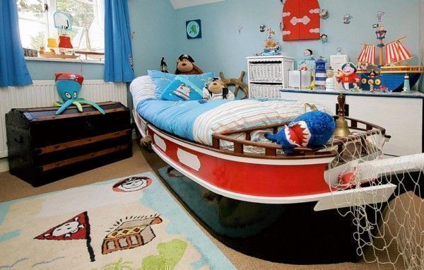 bed in a ship and boat shape, perfect for the sailor theme bedroom for children