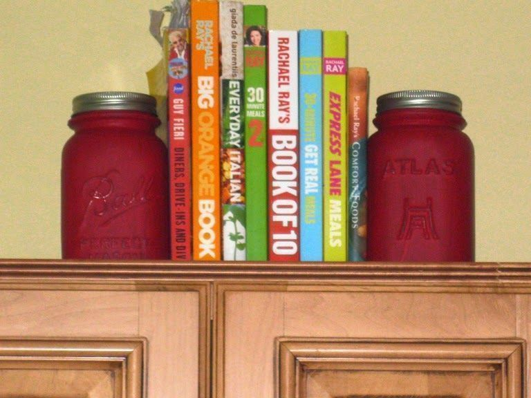 21 amazing ways you can upcycle and repurpose your mason jar for Mason jar bookends